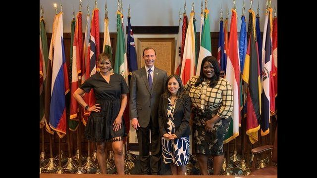 Secretary Whitley meets with U.S. Census Bureau to discuss the 2020 Texas Census